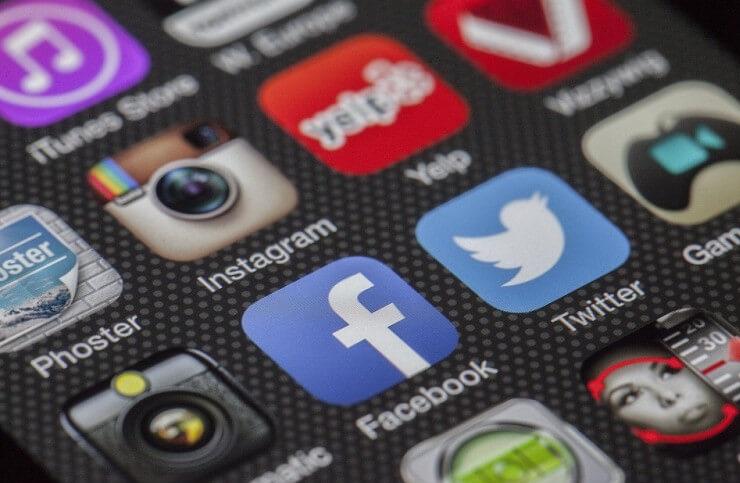 Penggunaan Sosial Media di Android