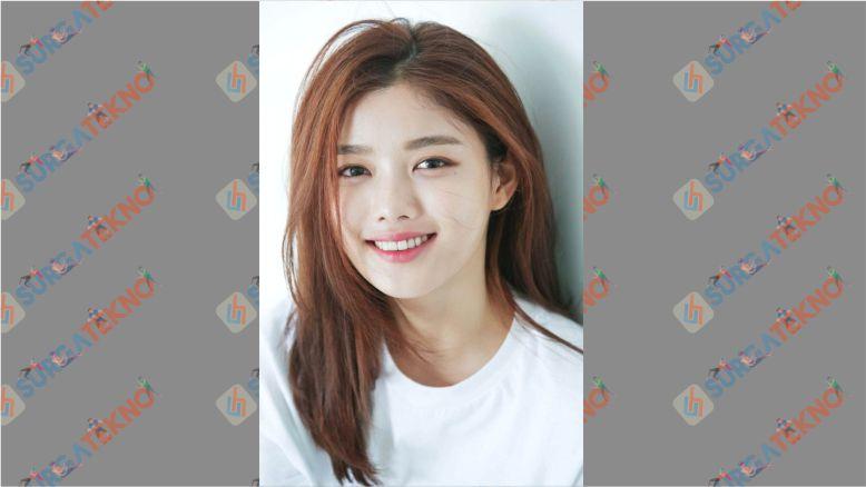 Penampilan Cantik Aktris Cantik Kim Yoo Jung