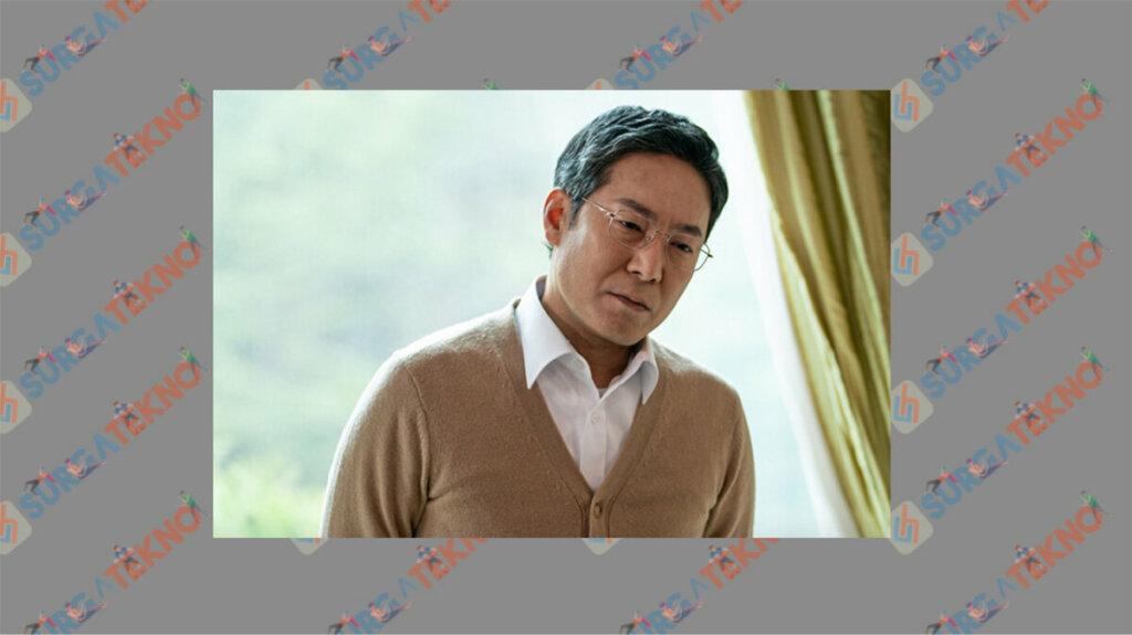 Choi Jin Ho sebagai Han Ki Hwan - Daftar Pemain Beyond Evil