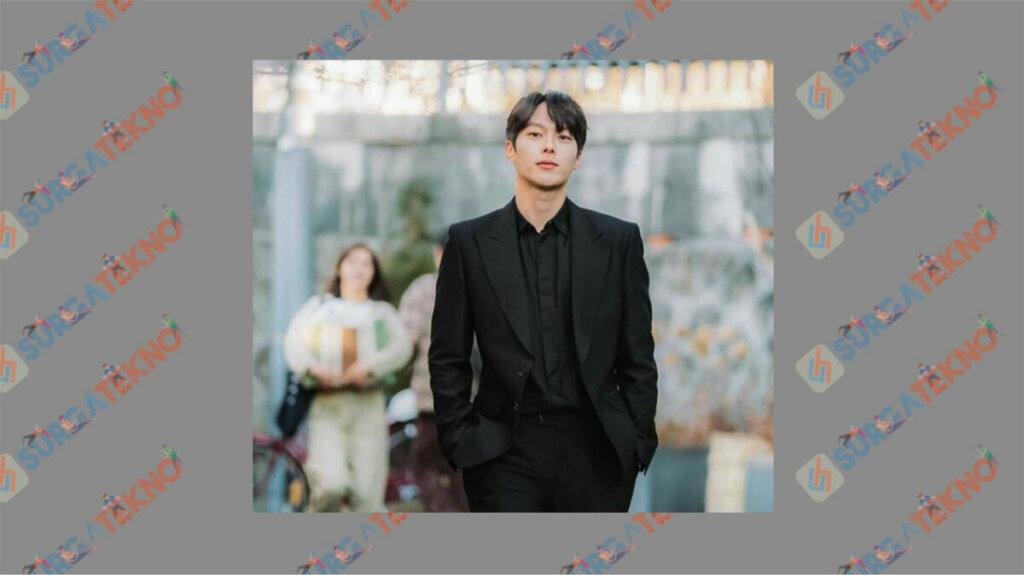 Jang Ki Young sebagai Shin Woo Yeo - Daftar Pemain My Roommate is A Gumiho