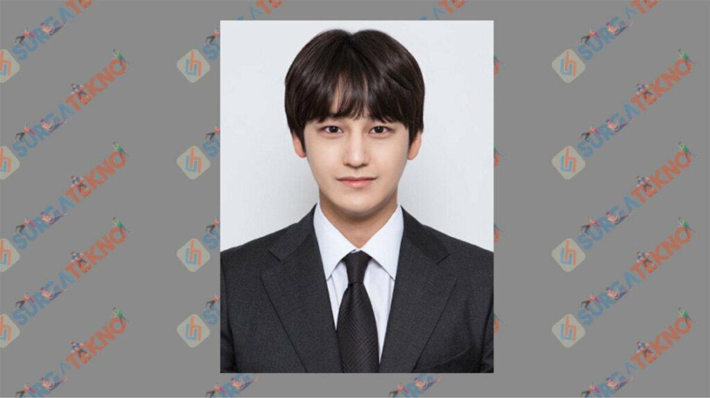Kim Boem sebagai Han Joon Hwi - Daftar Pemain Drama Law School